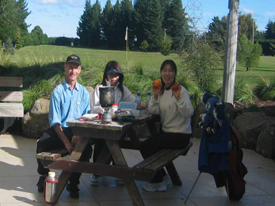 Picnic lunch on Christchurch Golf tour