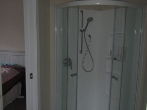 Christchurch Bed and Breakfast Shower room